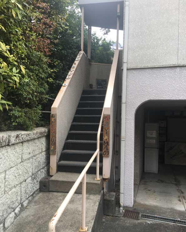 ライフスタジオ青山店入口